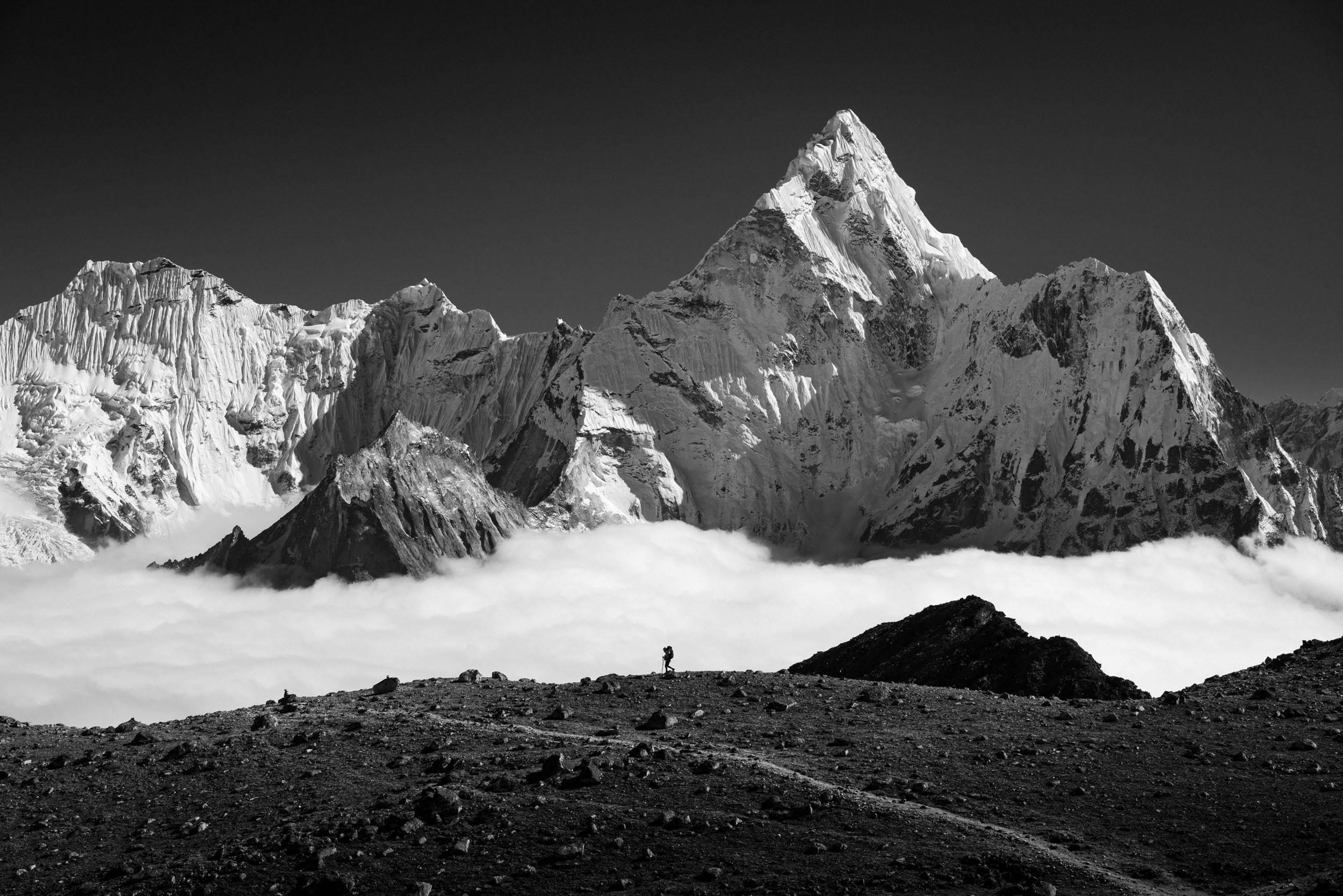 Mountain photography Roman Königshofer German Roamers Kongma La Pass Three Pass Trek Ama Dablam
