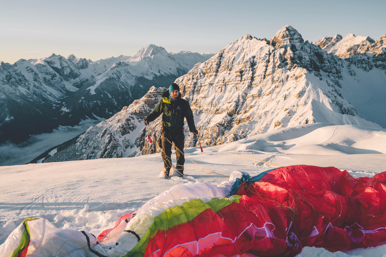 Paragliding, winter, Nockspitze, Saile, Tirol, Stubai, mountain photographer