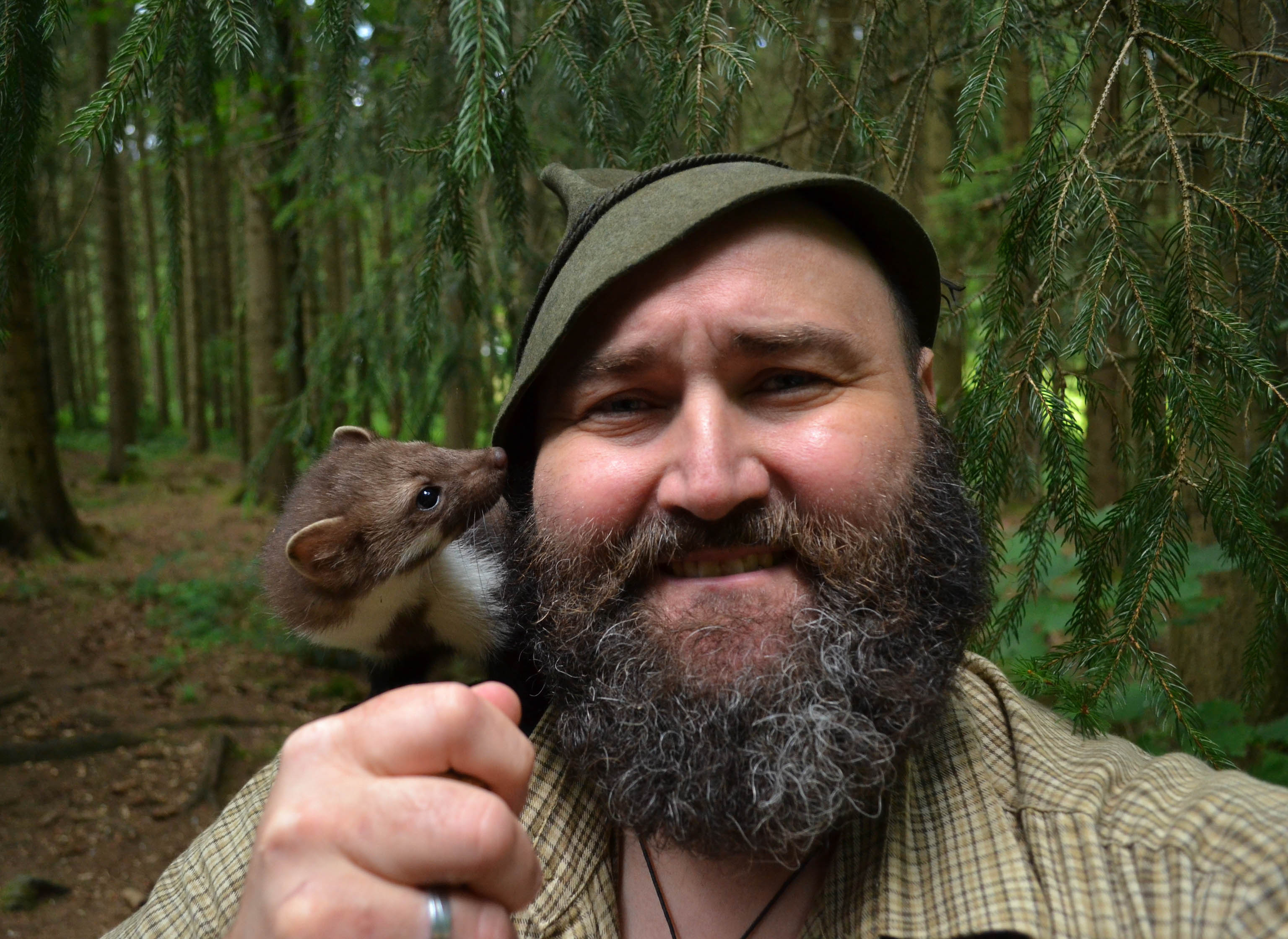 Wildlife observation with animal expert and birdwatching guide Wolfgang Schreil aka Woid Woife