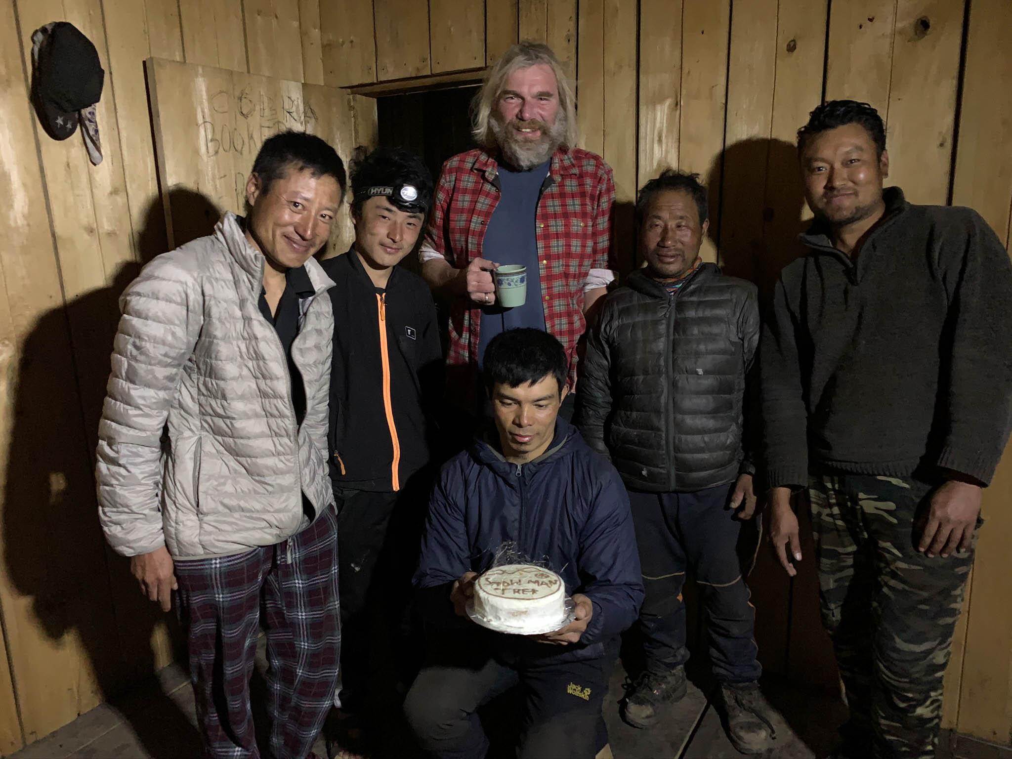 Snowman Trek Erfahrungen Kuchen zum Abschluss